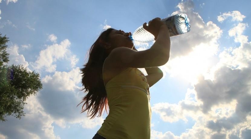 drinking-87155_1280