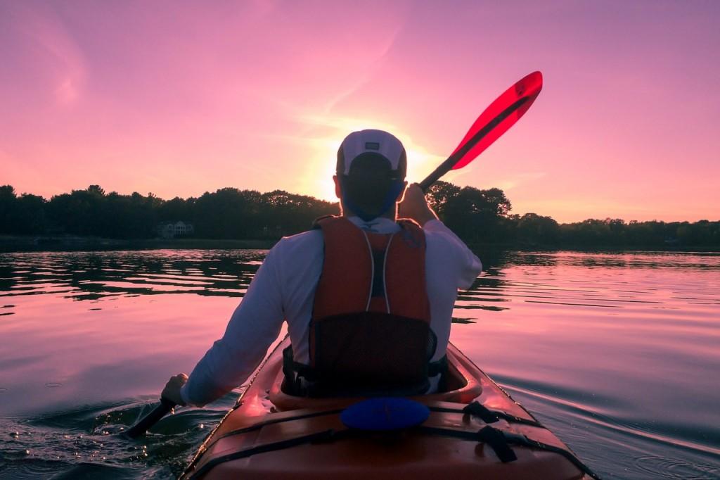 kayaking-1149886_1280